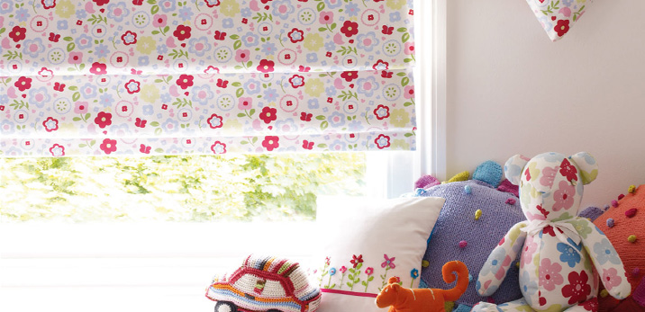 Children s blinds vertical roller blinds in for Blinds for kids rooms